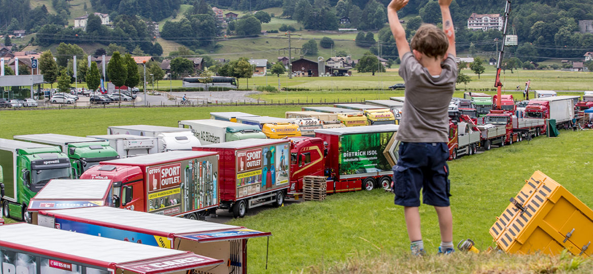 Piazza in der Truck Meile - Trucker & Country-Festival